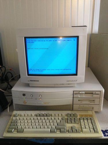 computer-repair-keyboard